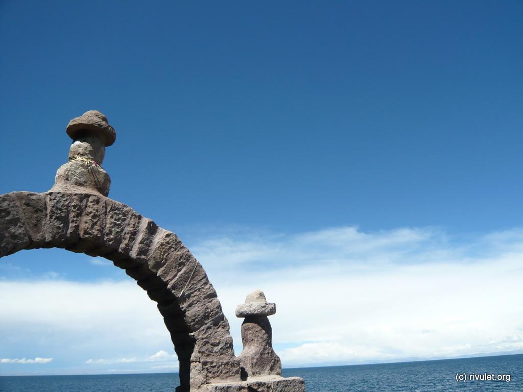 Water, stone, sky.