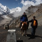 Friendly Tibetan, who let us pose with his horse :-)