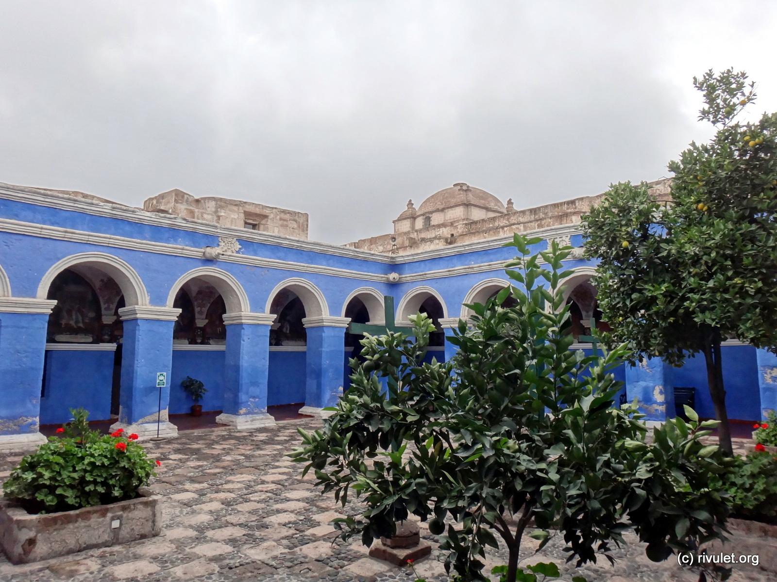A blue courtyard.